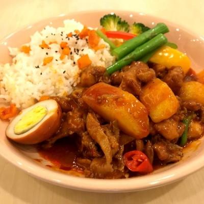 泰式咖喱鸡块拌饭
